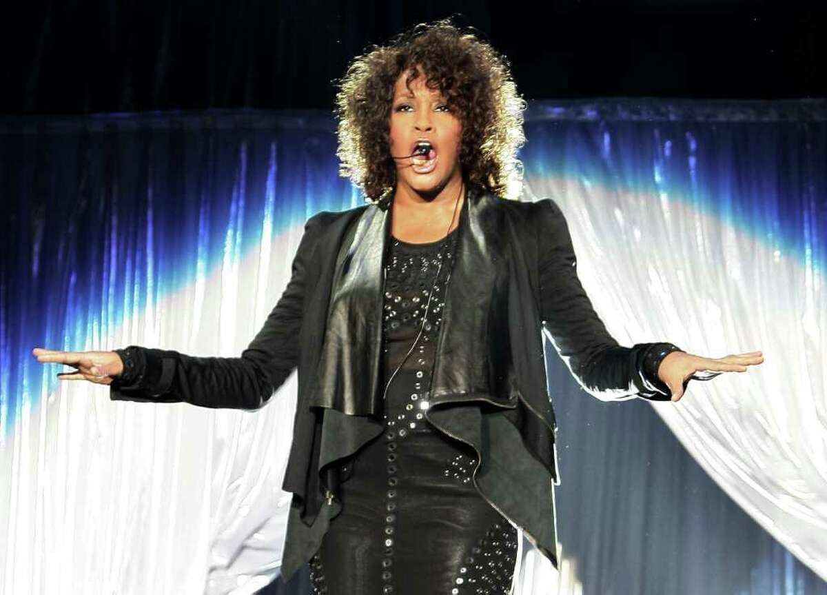 MILAN, ITALY - MAY 03: Whitney Houston performs at Mediolanum Forum on May 3, 2010 in Milan, Italy. (Photo by Vittorio Zunino Celotto/Getty Images)