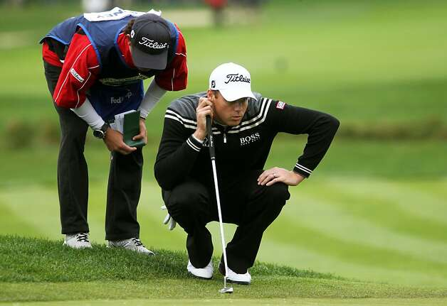 Nick Watney lines up a putt on the second hole at Pebble Beach Golf Links during the third round of the AT&T Pebble Beach National Pro-Am golf tournament in Pebble Beach, Calif., Saturday, February 11, 2012. Photo: Lance Iversen, The Chronicle