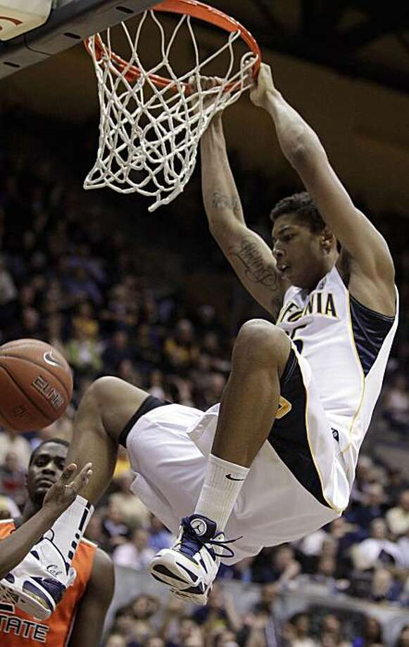 California's Richard Solomon dunks against Oregon State during the second half of an NCAA college basketball game Thursday, Jan. 27, 2011, in Berkeley, Calif. Photo: Ben Margot, AP