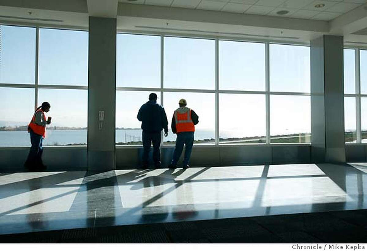 Expansion project / Oakland airport adds gates, plans for growth