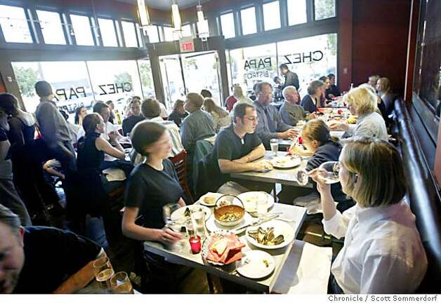 Chez Papa restaurant in Potrero Hill was packed only a month after it opened. (SF CHRONICLE PHOTO BY SCOTT SOMMERDORF) Photo: SCOTT SOMMERDORF