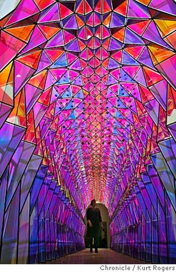 Olafur Eliasson's show at SFMOMA blurs visual and visceral ... Olafur Eliasson One Way Colour Tunnel