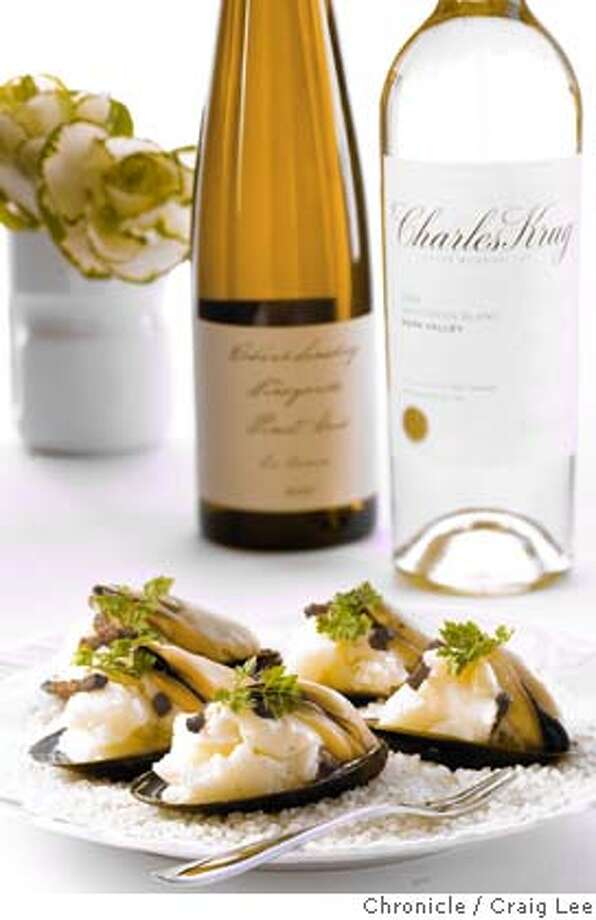 TOP10PAIRINGS_015_cl.CR2 Photo of Top 10 Wine Pairings Recipes. Mussels & Mashers paired with 2005 Charles Krug Napa Valley Sauvignon Blanc and 2005 Robert Sinskey Los Carneros Pinot Gris. Food photo styled by Jen Straus. Event on 10/20/06 in San Francisco. Craig Lee / The Chronicle MANDATORY CREDIT FOR PHOTOG AND SF CHRONICLE/ -MAGS OUT Photo: Craig Lee