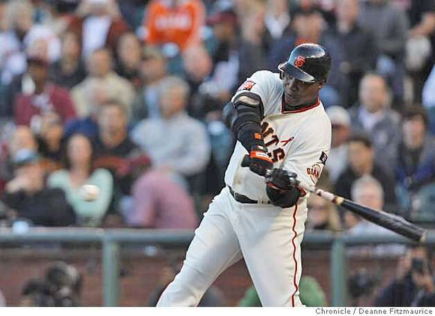GIANTS28_df_005.JPG Barry Bonds hits home run number 754 in the bottom of the first inning off of Marlins starter Rick Vanden Hurk.  Florida Marlins play the San Francisco Giants at AT&T Park in San Francisco, CA, on Friday, July, 27 2007. photo taken: 07/27/2007  Deanne Fitzmaurice / The Chronicle ** (cq) Photo: Deanne Fitzmaurice