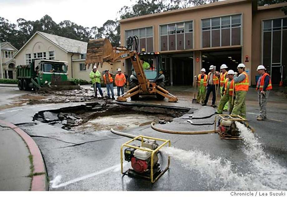 waterpipe_061_ls.jpg  The scene in front of Station 20 where a water pipe burst on Monday morning.  Water pipe burst at Olympia and Clarendon in San Francisco on Monday morning. Photo taken on 3/6/06 in San Francisco, CA. Photo by Lea Suzuki/ The San Francisco Chronicle MANDATORY CREDIT FOR PHOTOG AND SF CHRONICLE/ -MAGS OUT. Photo: Lea Suzuki