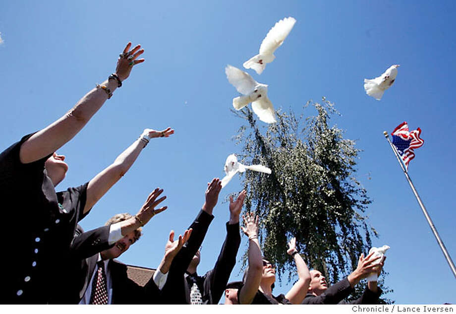 JIMMITCHELL_50911.JPG  Family and friends release doves concluding Jim Mitchell's funeral service Thursday. Hundreds gathered in Antioch to celibate the life and time of one of San Francisco's sexual revolution pioneers Jim Mitchell, co founder of the famous Mitchell Brothers O'Farrell Theater who passed away earlier this month. (July19) Lance Iversen/The Chronicle (cq) SUBJECT 7/19/07,in ANTIOCH. CA. Photo: By Lance Iversen