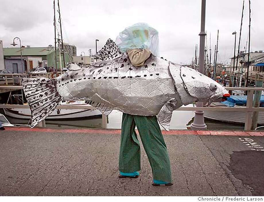 San francisco salmon fishermen protest cuts angered at for Salmon fishing san francisco