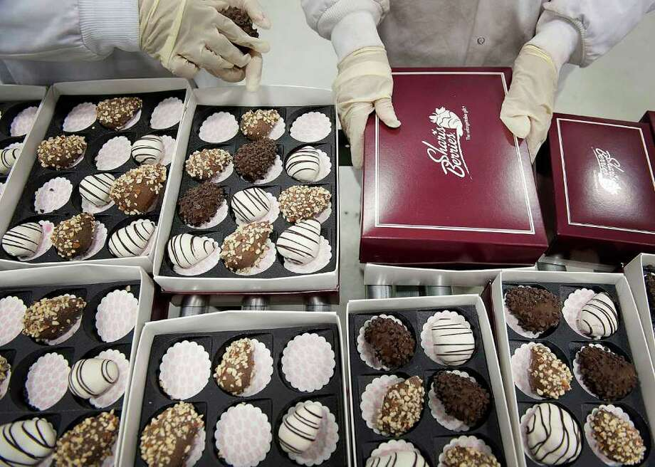 We asked readers for Valentine's Day gift do's and don'ts. Chocolate was one reader's don't. (Bloomberg) To comment, visit the Right Now blog. Photo: Davis Turner, Bloomberg / © 2012 Bloomberg Finance LP