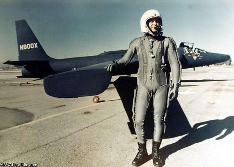 Francis Gary Powers, the U-2 pilot who had been shot down ...