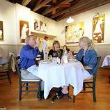 D.31-2/C/20MAY98/NZ/CS - Diners enjoy a meal at the art-decorated La Haye Cafe, 140 E. Napa Street, Sonoma. SAN FRANCISCO CHRONICLE PHOTO BY CHRIS STEWART