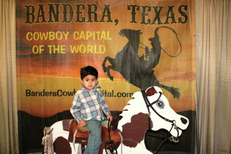 San Antonio Stock Show & Rodeo – Saturday, February 11, 2012 Rodeo Pictures Photo: Express-News