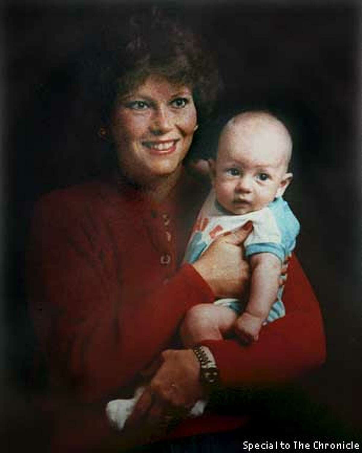 SURVIVORS4-C-23SEP99-MN-LH--Copied photo of Carol Dickinson and her son Scotty.