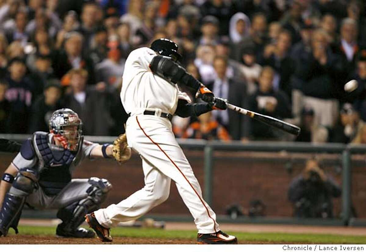 GIANTS07_li_013.JPG Barry Bonds hits home run number 756 in the bottom of the fifth inning. Washington Nationals play the San Francisco Giants at AT&T Park in San Francisco, CA, on Tuesday, August 07, 2007. Lance Iversen / The Chronicle ** (cq)