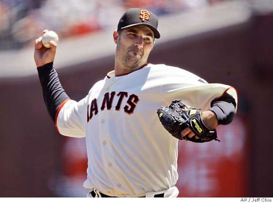 San Francisco Giants starting pitcher Matt Morris delivers in the first inning of their baseball game against the Florida Marlins in San Francisco, Sunday, July 29, 2007. (AP Photo/Jeff Chiu) Photo: Jeff Chiu