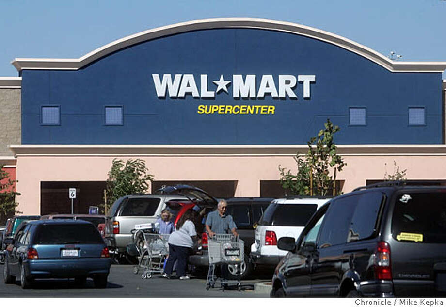 walmart154_mk.JPG  Gilroy, CA is home to the newest Walmart Supercenter where there is 220,000 square feet of... everything to buy. Local grocery stores may be threatened by the gigantic grocery section this store now offers.  10/4/05 Mike Kepka / The Chronicle MANDATORY CREDIT FOR PHOTOG AND SF CHRONICLE/ -MAGS OUT Photo: Mike Kepka