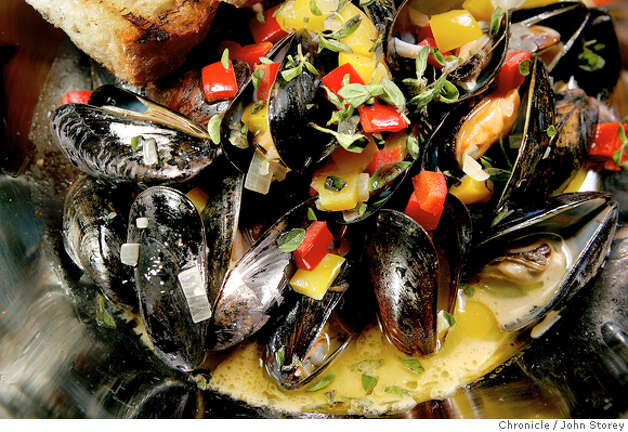 The steamed Mussels. Review of the restaurant Sea Salt in Berkeley. John Storey Berkeley Event on 10/10/05 Photo: John Storey