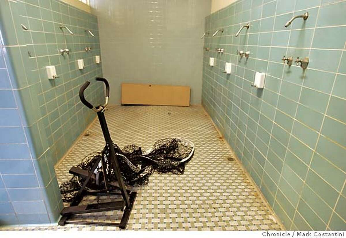 m&r_003_mc.jpg SHOWERS IN BOY'S LOCKERROOM (ON FIRST FLOOR BELOW BOY'S GYM). San Francisco school district spending tens of millions on disability access -- including spending big money to make showers at Horace Mann Middle School ADA compliant. The problem is, nobody has used the showers at Horace Mann (or any other city middle school for that matter) for as long as anyone can remember.) There is no time set aside for students to take showers. PLEASE PHOTOGRAPH SHOWERS IN BOY'S LOCKERROOM (ON FIRST FLOOR BELOW BOY'S GYM) -- AN AREA WHERE THEY CURRENTLY HAVE SOME OTHER EQUIPMENT STORED. Photograph by Mark Costantini/S.F. Chronicle. MANDATORY CREDIT FOR PHOTOG AND SF CHRONICLE/ -MAGS OUT