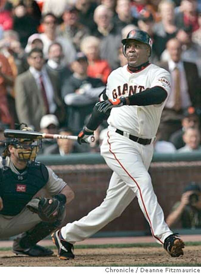 giants_337_df.JPG  Barry Bonds stuck out on this at bat. He came in as a pinch hitter in the 8th inning. San Diego Padres beat the San Francisco Giants 5-4 at SBC Park.  Deanne Fitzmaurice / San Francisco Chronicle Photo: Deanne Fitzmaurice