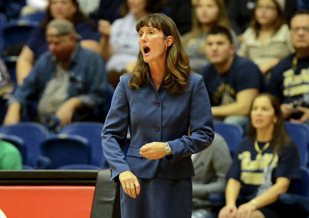 O'Connor head coach Karmen Willson shouts at her players during a UIL 5A girls bidistrict playoff  basketball game between Southwest and O'Connor at the UTSA Convocation Center  in San Antonio on Monday, Feb. 13, 2012. Photo: JOHN ALBRIGHT, For The Express-News / Special to the Express-News