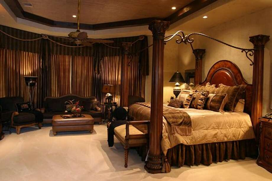 African Suite (Coleman Realty)