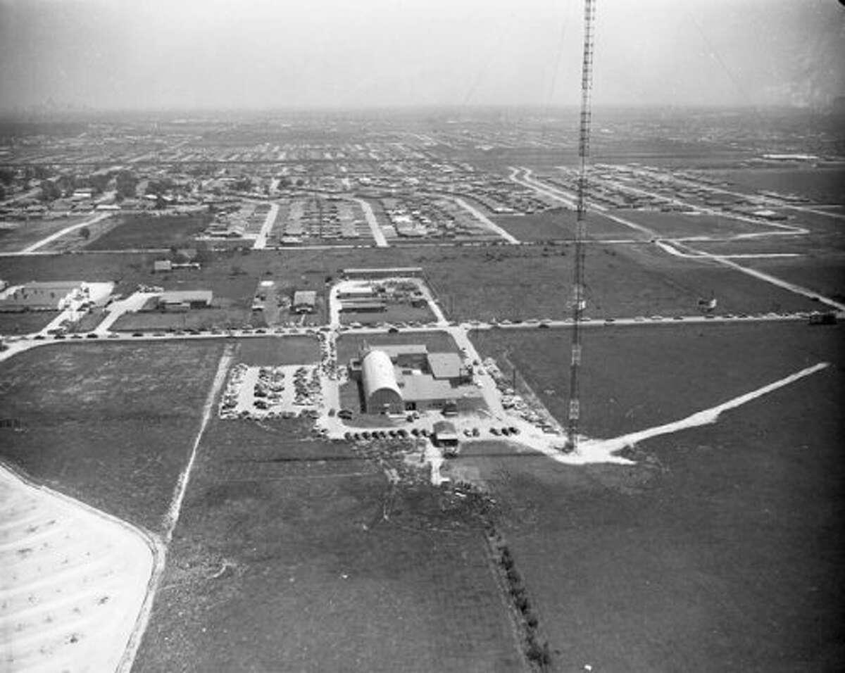 Looking east over Post Oak toward Afton Oaks, 1954. (Post file)