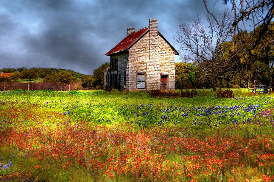An abandoned homestead in Marble Falls. (Karen Freer Tawater) Photo: Texas Hill Country