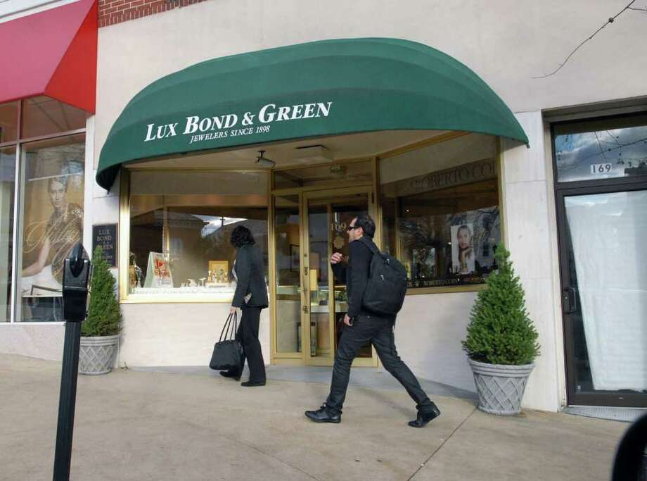 Lux Bond & Green jewelry store at 169 Greenwich Ave., Nov. 17, 2010. Photo: Bob Luckey, Greenwich Time File / Greenwich Time