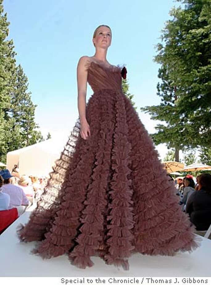 Mara Fritz hosted the League to Save Lake Tahoe Fashion show at her lakeside home where the Oscar de la Renta Resort 2007 line was presented. From left: TK  Ran on: 08-13-2006  An Oscar de la Renta gown at the League to Save Lake Tahoe show. Photo: Thomas J. Gibbons