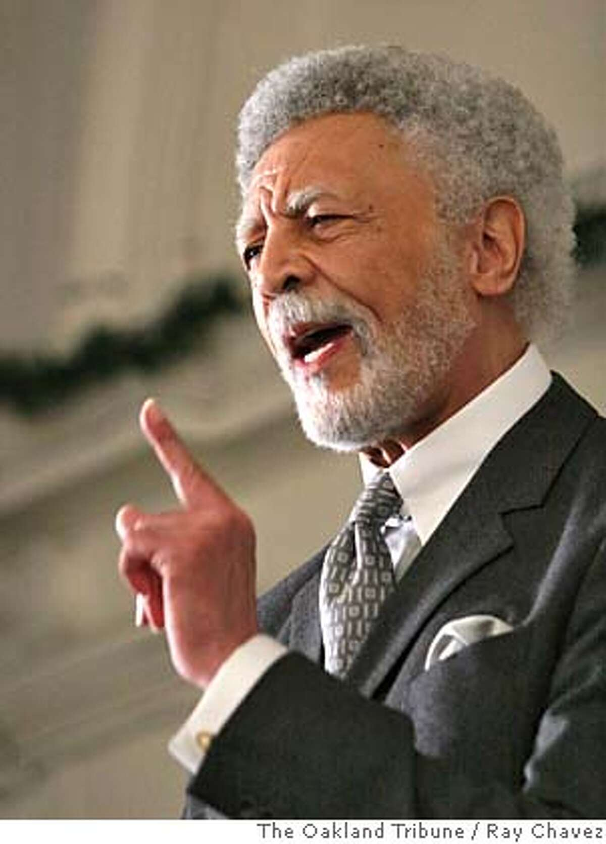 Mayoral candidate for the City of Oakland Ron Dellums gives a speech in remembrance of Civil Rights leader Martin Luther King Jr., before the Oakland Black Board of Trade and Commerce Monday Jan. 16, 2006, in Oakland, Calif. (AP Photo/The Oakland Tribune, Ray Chavez) ** LOCALS PLEASE CREDIT, MAGS OUT, ONLINES OUT ** Ran on: 01-19-2006 Dellums STAND ALONE NEWSLOCALS PLEASE CREDIT/MAGS OUT ONLINE OUT