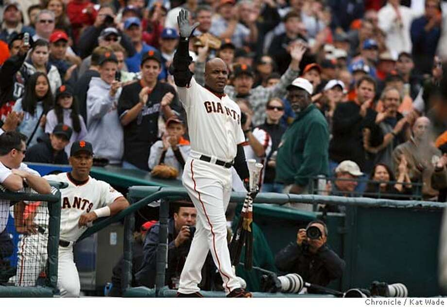 GIANTS_0117_KW_.jpg  San Francisco Giants Barry Bonds comes back on the field after cheers from the fans to wave goodbye after hitting a double on his final at bat for the 2006 season during the 6th inning of the game against thee Los Angeles Dodgers at AT&T Park Sunday October 1, 2006 . Mandatory Credit for San Francisco Chronicle and photographer, Kat Wade, Mags out Photo: Kat Wade