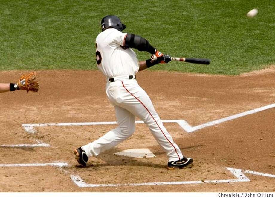 SBC Park, San Francisco, CA  Giants V/S Mets  BOTTOM 1ST INNING/  Barry Bonds, Home run #693. Also drive in Edgardo Alfonso  photo/ John O'hara Photo: John O'Hara