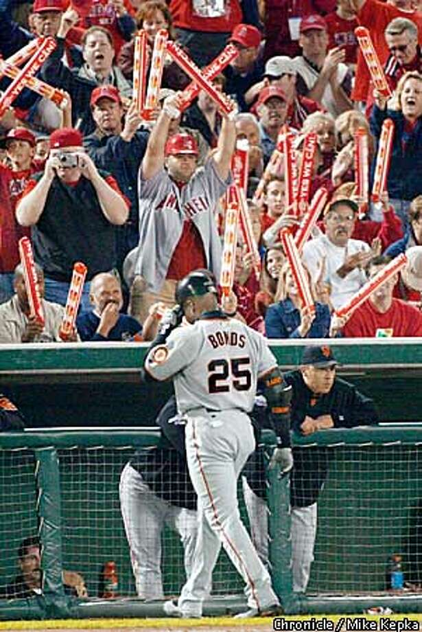 Giants Barry Bonds is out in the sixth inning. The San Francisco Giants play the Anaheim Angels in Games 7 of the World Series at Edison Field in Anaheim, Ca. October 27, 2002. Mike Kepka/San Francisco Chronicle Photo: Mike Kepka