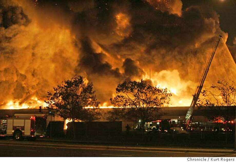 6 Alarm fire in Oakland that burned a warehouse that closed Hegenbeger rd. 10/12/05 in Oakland,CA.  KURT ROGERS/THE CHRONICLE Photo: KURT ROGERS