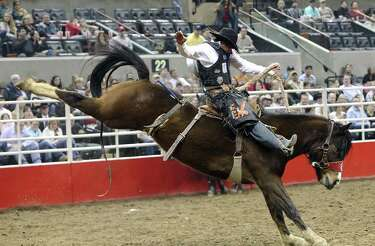 Tie-down roper Slone carries on family tradition - San Antonio