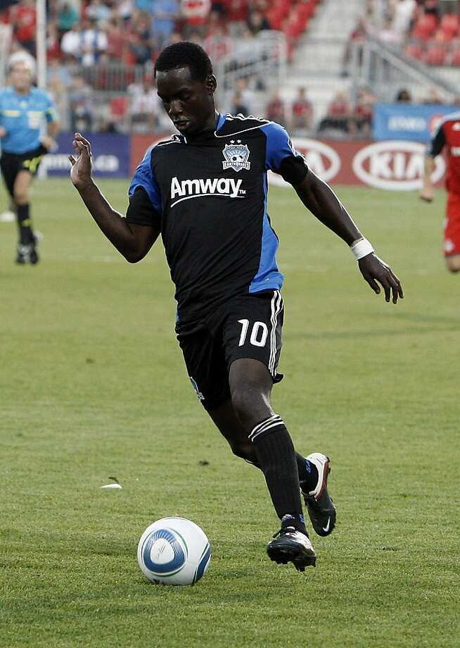 TORONTO, CANADA - AUGUST 27: Simon Dawkins #10 of San Jose Earthquakes carries the ball during MLS action against Toronto FC at BMO Field August 27, 2011 in Toronto, Ontario, Canada. (Photo by Abelimages/Getty Images) TORONTO, CANADA - AUGUST 27: Simon Dawkins #10 of San Jose Earthquakes carries the ball during MLS action against Toronto FC at BMO Field August 27, 2011 in Toronto, Ontario, Canada. (Photo by Abelimages/Getty Images) Photo: Abelimages, Getty Images