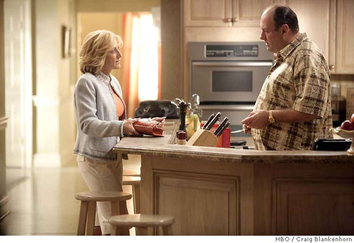 THE SOPRANOS: Edie Falco, James Gandolfini. photo: Craig Blankenhorn