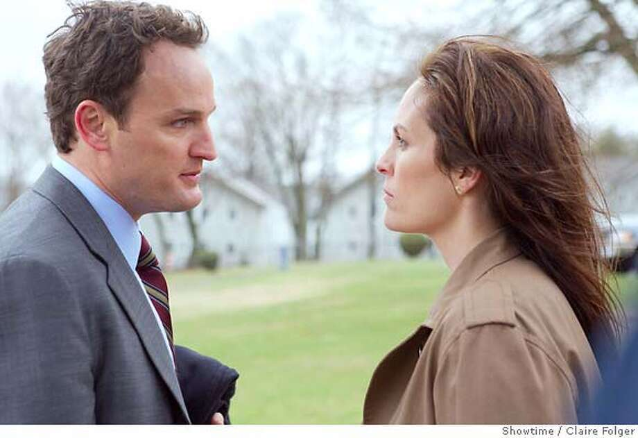 Jason Clarke as Tommy Caffee and Annabeth Gish as Eileen Caffee (Episode 1) - Photo: Claire Folger/Showtime - Photo ID: brotherhood_201_0302 Photo: Claire Folger/�Showtime