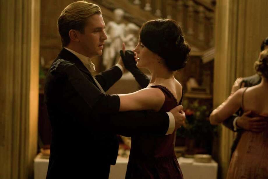 Downton Abbey Season 2 on MASTERPIECE Classic Part 7 - Sunday, February 19, 2012 at 9pm ET on PBS  Shown from L-R: Dan Stevens as Matthew Crawley and Michelle Dockery as Lady Mary  (C) Carnival Film & Television Limited 2011 for MASTERPIECE This image may be used only in the direct promotion of MASTERPIECE CLASSIC. No other rights are granted. All rights are reserved. Editorial use only.