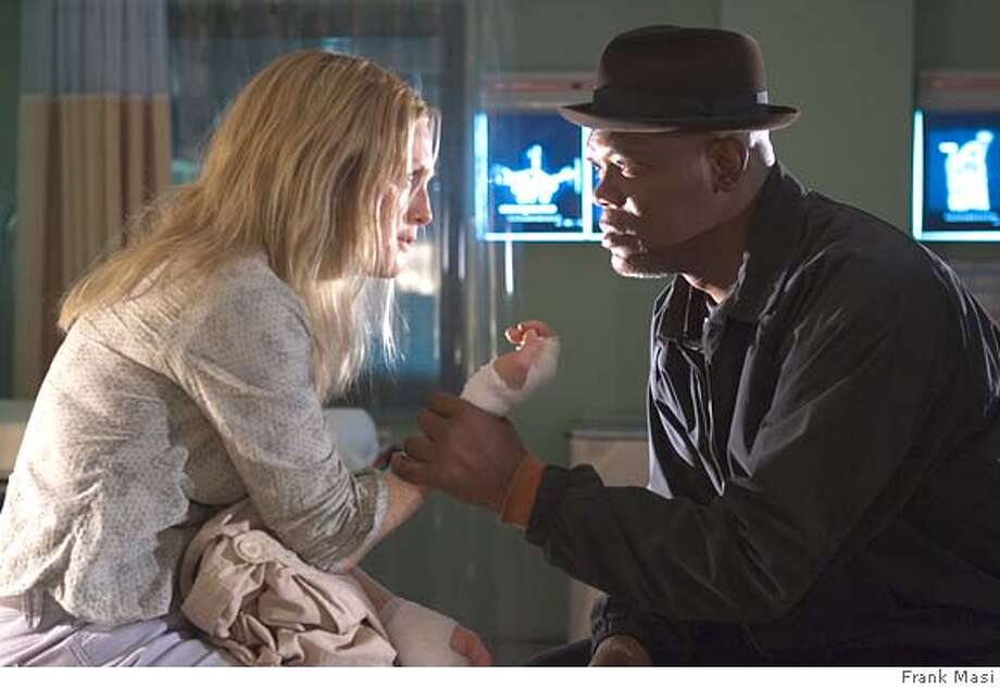 FL-176 - Julianne Moore (l) and Samuel L. Jackson star in Revolution Studios� powerful drama Freedomland, a Columbia Pictures release. Photo Credit: Frank Masi **ALL IMAGES ARE PROPERTY OF SONY PICTURES ENTERTAINMENT INC. FOR PROMOTIONAL USE ONLY. SALE, DUPLICATION OR TRANSFER OF THIS MATERIAL IS STRICTLY PROHIBITED. Photo: Frank Masi