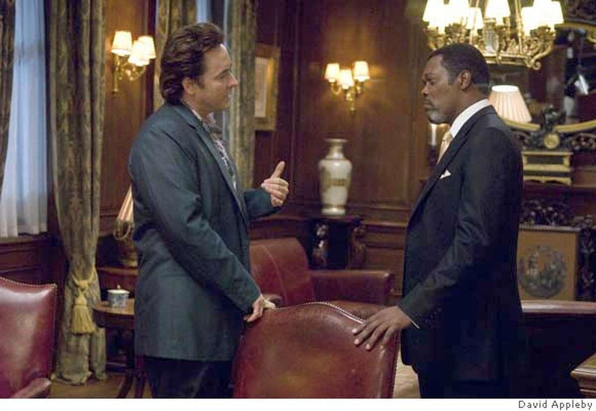 John Cusack (Mike Enslin) and Samuel L. Jackson (Mr. Olin) star in Mikael H�fstr�m's 1408.