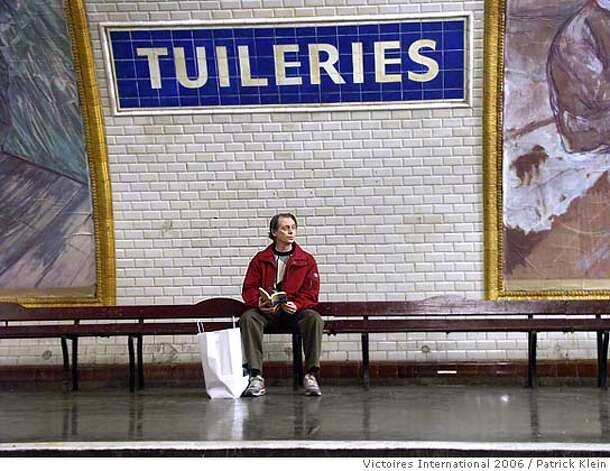 "� Steve Buscemi as a tourist in Joel & Ethan Coen's 'Tuileries' segment of the movie ""PARIS, JE T'AIME"". Photo credit: Patrick Klein, Victoires International 2006."