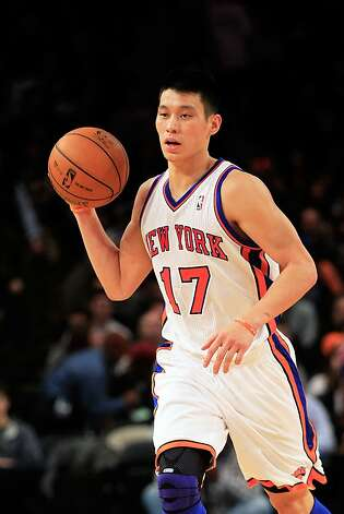 Jeremy Lin #17 of the New York Knicks dribbles the ball against the Sacramento Kings at Madison Square Garden on February 15, 2012 in New York City. Photo: Chris Trotman, Getty Images