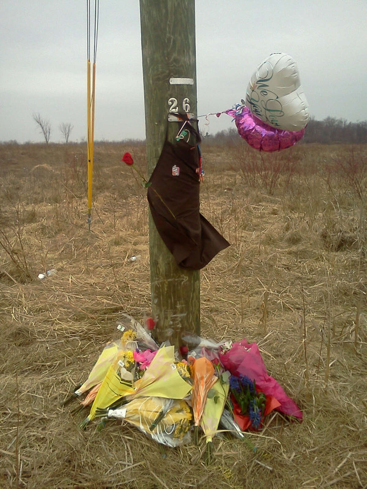 Site of a memorial to a teen killed in a crash on Wednesday, Feb. 15, 2012, in Halfmoon. (Dennis Yusko/Times Union)