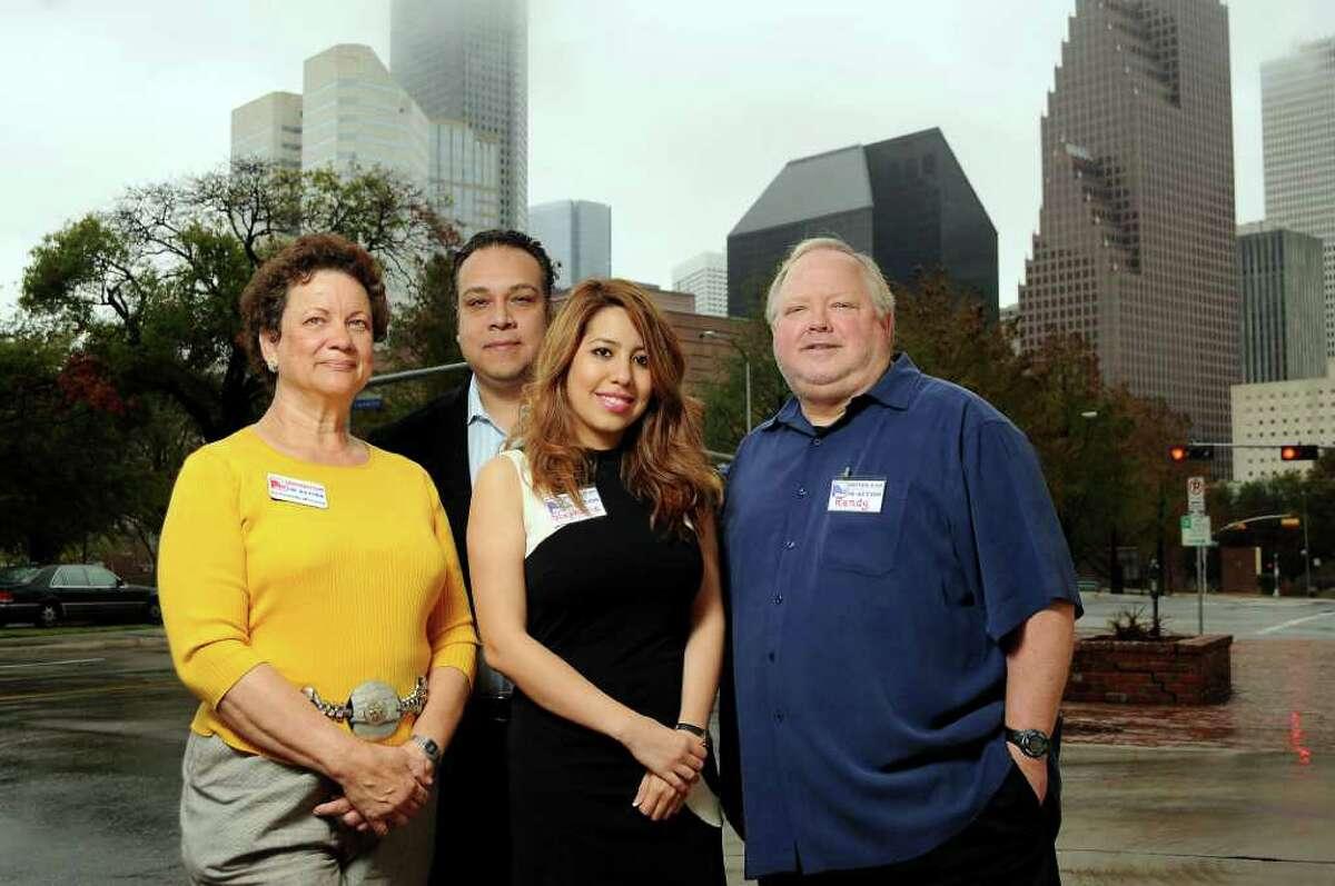Republican Hispanic Citizens in Action: de izq. a der. Bernadette McLeroy, fundador, Mike Azocar, presidente, Stephanie Lazcano, presidenta de membresía y Randy Kubosh, tesorero.