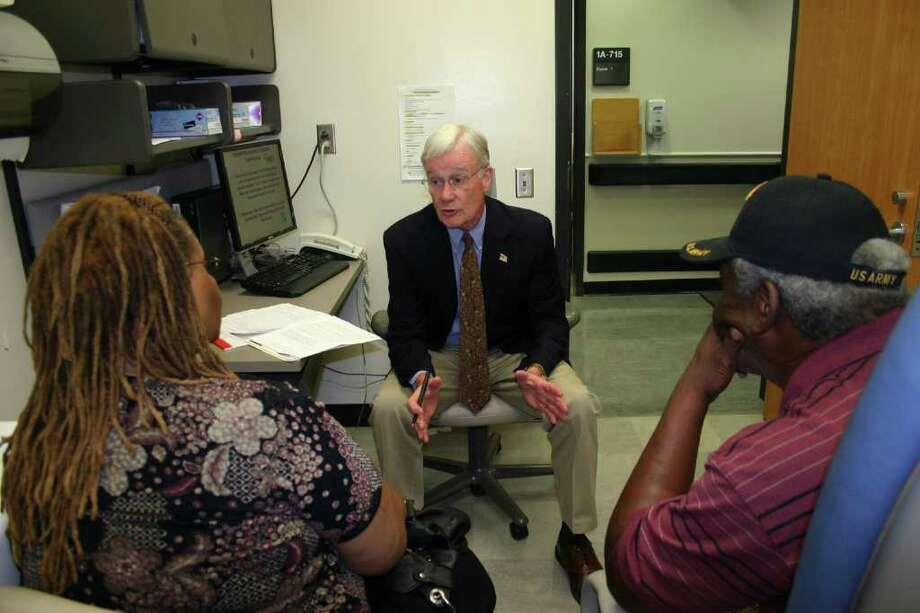 Attorney Bob Devlin provides free legal advice at a Friday clinic for veterans at the DeBakey VA Medical Center. Photo: Sarah Tressler