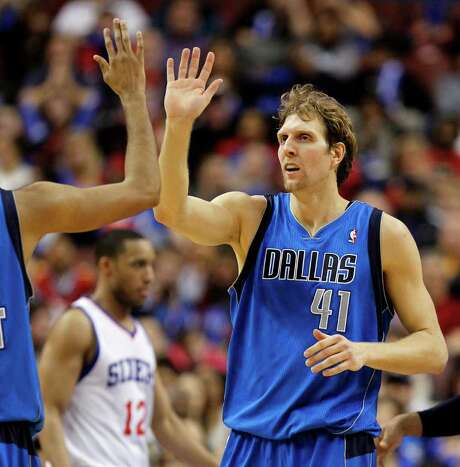 Mavericks forward Dirk Nowitzki poured in 24 points in the second half to fuel Dallas' win. Photo: AP
