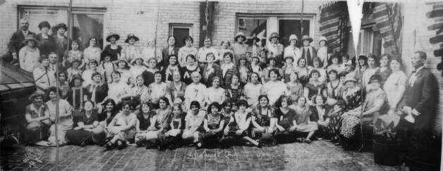 This vintage photo may document Hadassah members attending a 1925 convention of Texas Zionists. Photo: Courtesy Marion H. Bernstein