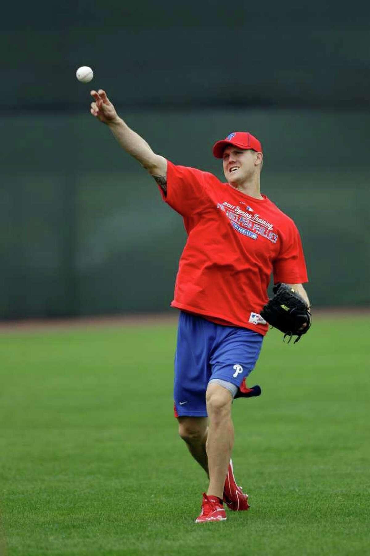 Philadelphia Philllies' Jonathan Papelbon throws during practice before the start of baseball spring training, Saturday, Feb. 18, 2012, in Clearwater, Fla. (AP Photo/Matt Slocum)