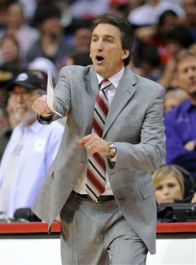 Los Angeles Clippers coach Vinny Del Negro reacts to a play in the second half of an NBA basketball game against the San Antonio Spurs, Saturday, Feb. 18, 2012, in Los Angeles. The Spurs won 103-100 in overtime. (AP Photo/Gus Ruelas) (AP)
