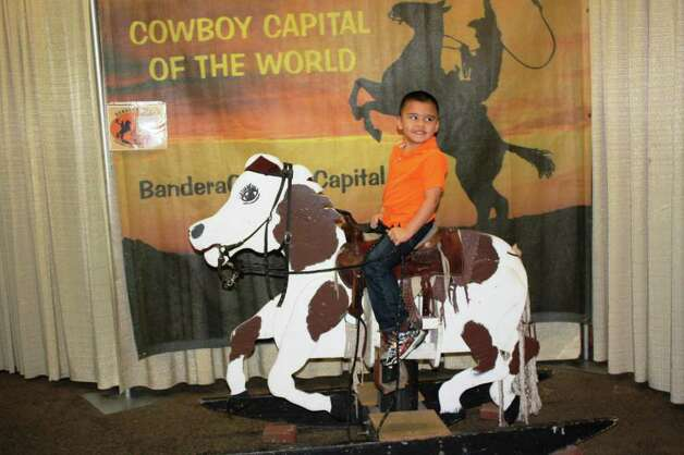 San Antonio Stock Show & Rodeo – Saturday, February 18, 2012 Rodeo Pictures Photo: Express-News